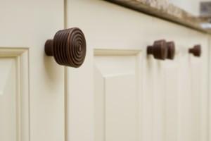 General Tips for Choosing Kitchen Cabinet Hardware